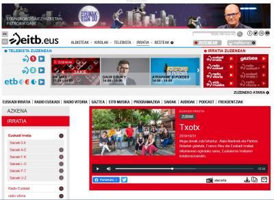 Entrevistadas en el programa de radio Zubiak: Txooootx